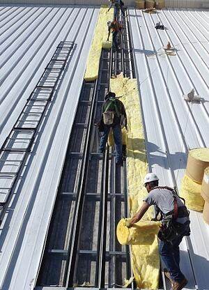 Southwest Airlines Aircraft hangar roof installation