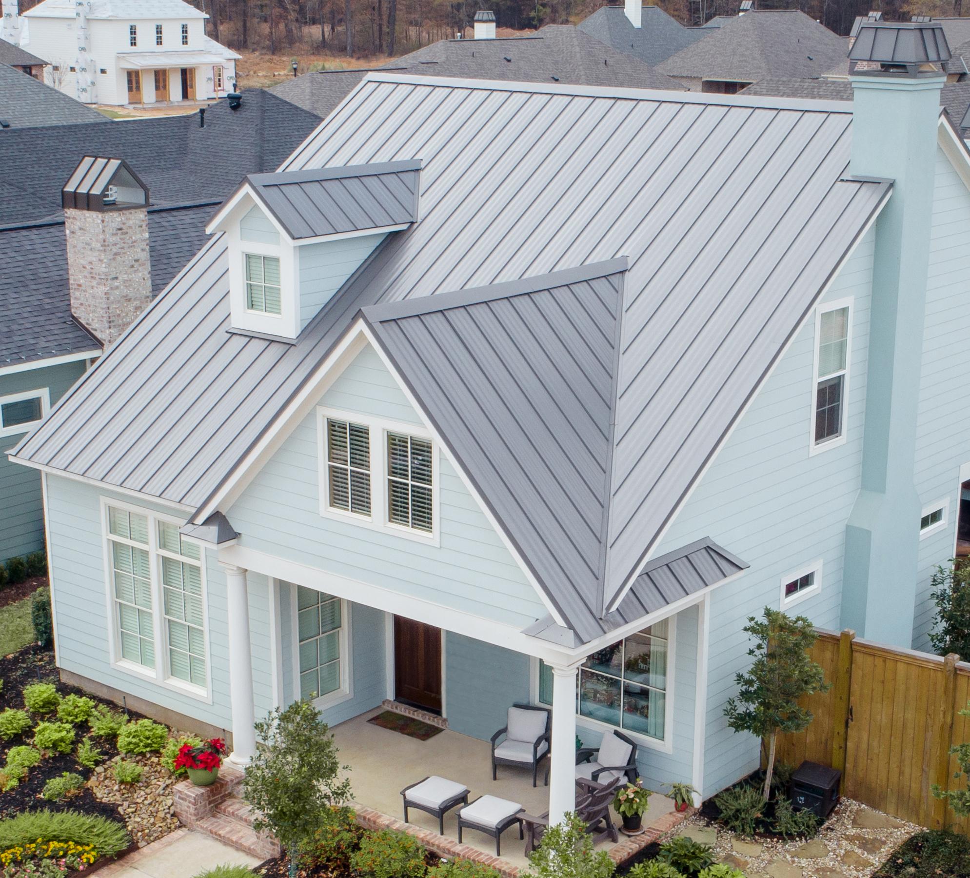 Advantages of a Metal Roof vs. Shingles